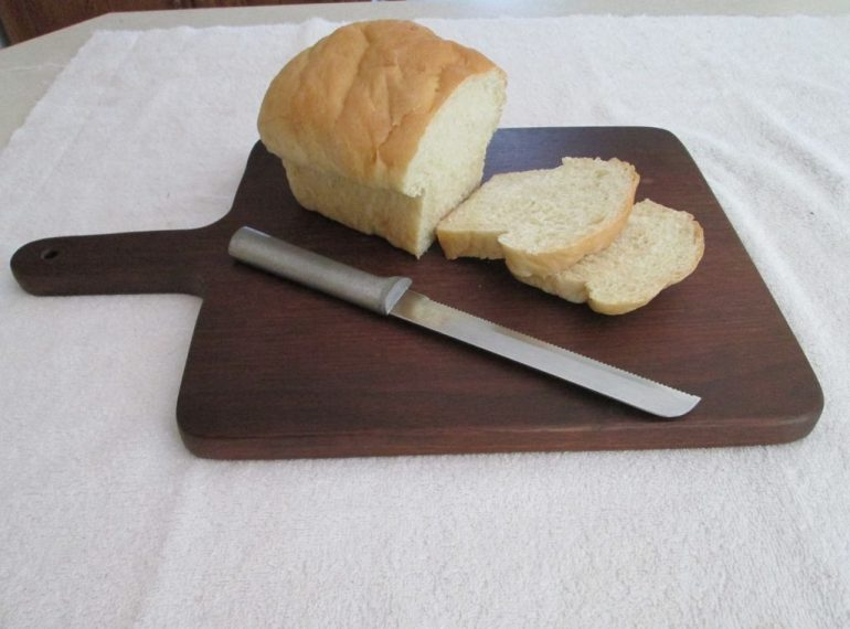How to make your own diy cutting board toolmates hire for Make your own chopping board