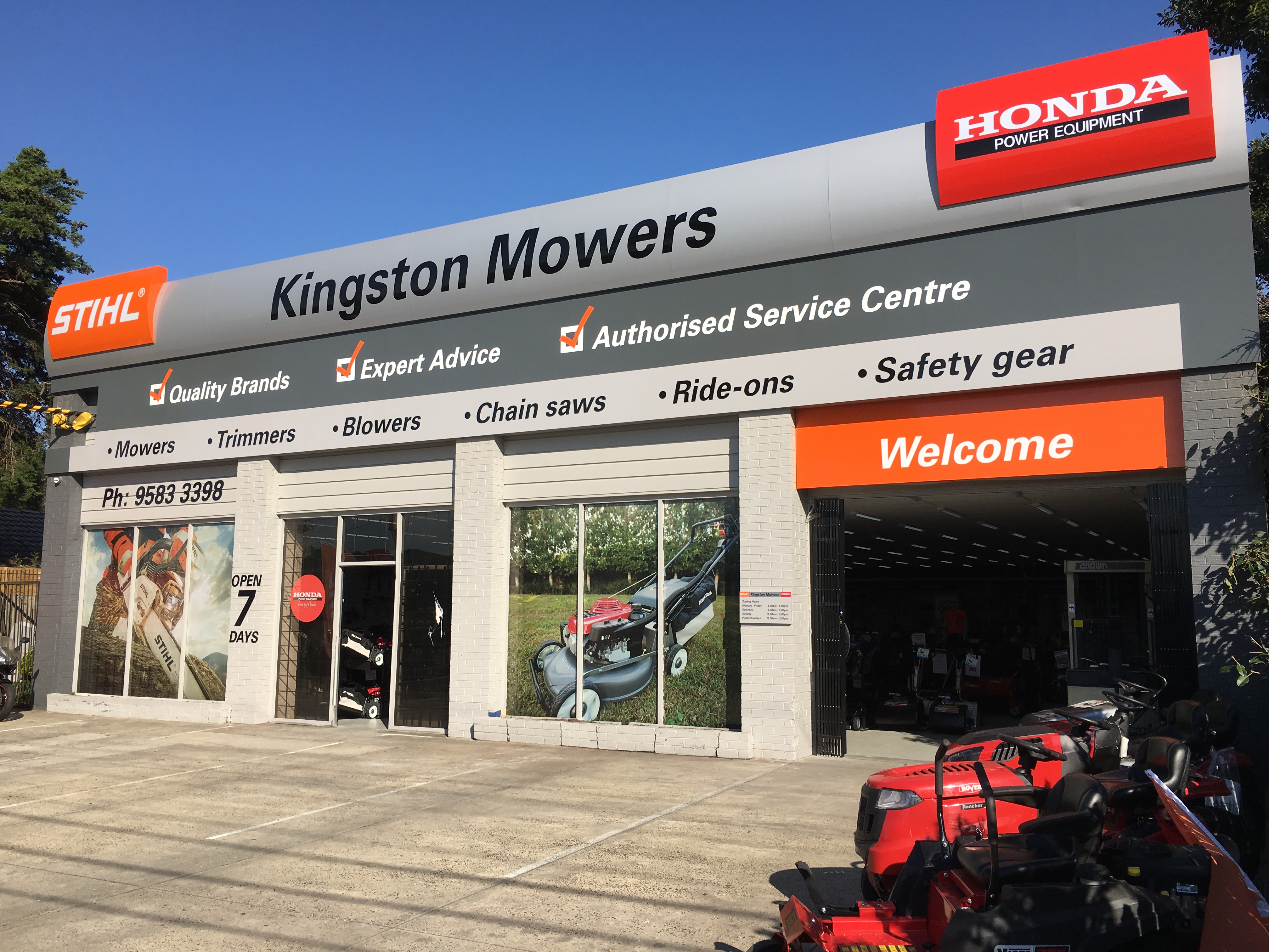 Kingston%20Mowers%20outdoor%20photo.jpg