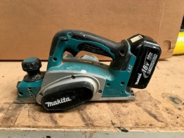 Makita 18V 82mm Cordless Planer