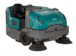 Large ride on sweeper - Tennant S30 LPG powered ride-on sweeper
