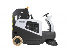 Medium ride on sweeper - Nilfisk SW5500 battery powered ride on sweeper