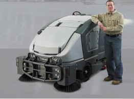 Large combination sweeper scrubber dryer - Nilfisk CS7000 Hybrid LPG powered combination sweeper scrubber dryer