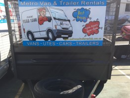 TRAILER - BOX - 2 TONNE