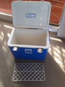 40 LITRE ICE BOX COOLER ESKY CHILLI BIN