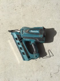 Framing / Nail Gun - Gas Powered