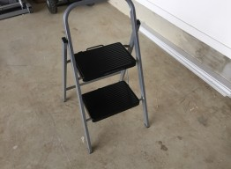 2 Step Folding Step Ladder