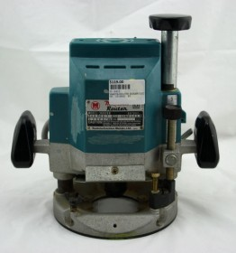 MAKITA PLUNGE ROUTER 2100W