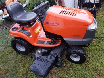 HUSQVARNA RIDE ON MOWER YTH1848XP AUTOMATIC LAWNMOWER