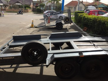 Car Carrier with Dove Trailer