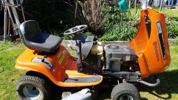 HUSQVARNA RIDE ON MOWER LTH1536