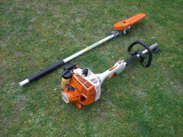 STIHL KM56RC KOMBI POWERHEAD 2MIX POLESAW, HEDGE TRIMMER, LAWN EDGER & BRUSHCUTTER/TRIMMER